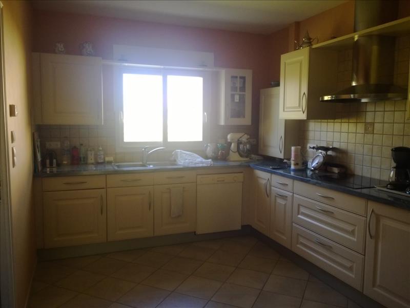 Maison REIGNAC - 6 pièces  -   150 m²