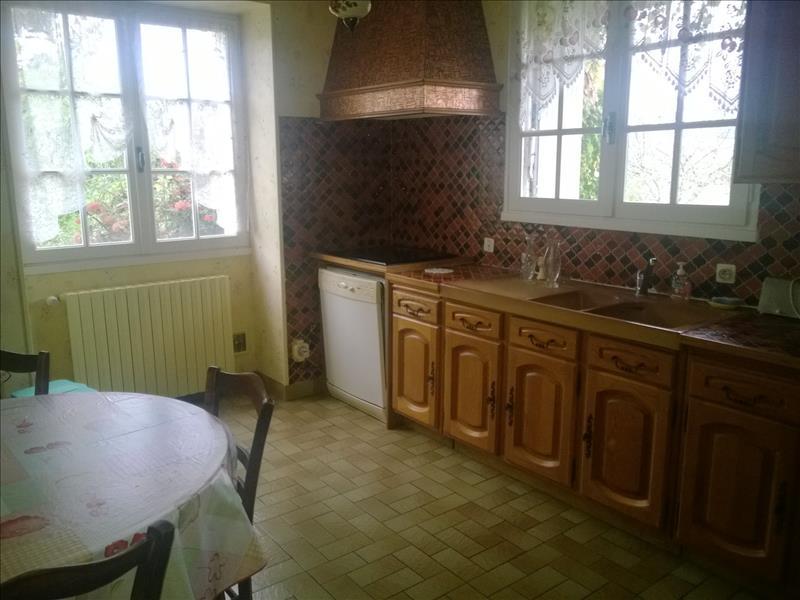 Maison AMBLEVILLE - 9 pièces  -   220 m²