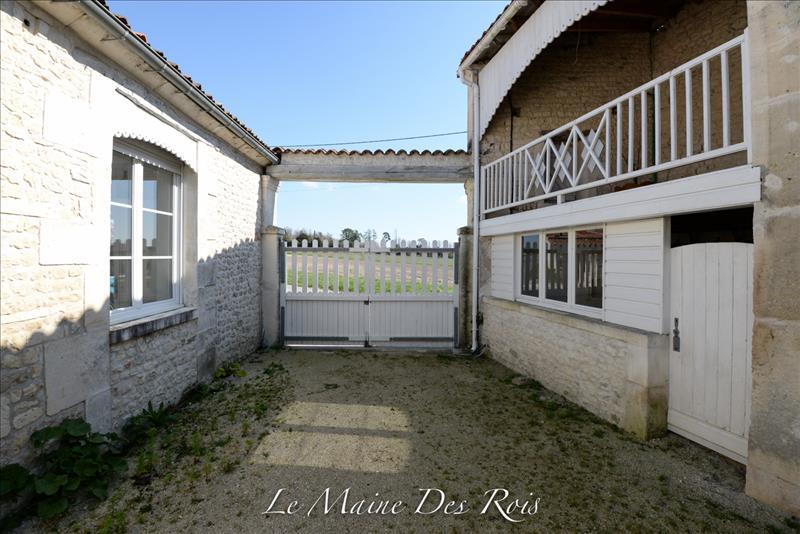 Maison JUILLAC LE COQ - (16)