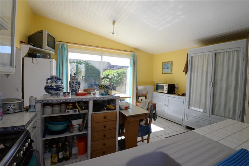 Maison JUILLAC LE COQ - 5 pièces  -   134 m²