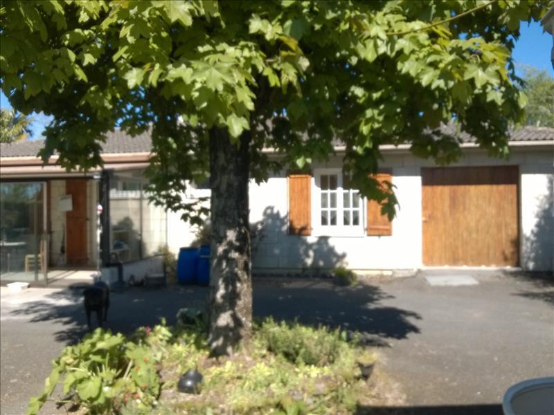 Maison BARBEZIEUX ST HILAIRE - 5 pièces  -   116 m²