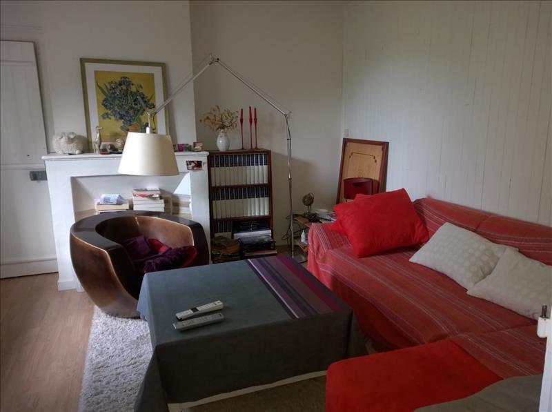Maison BARBEZIEUX ST HILAIRE - 5 pièces  -   77 m²