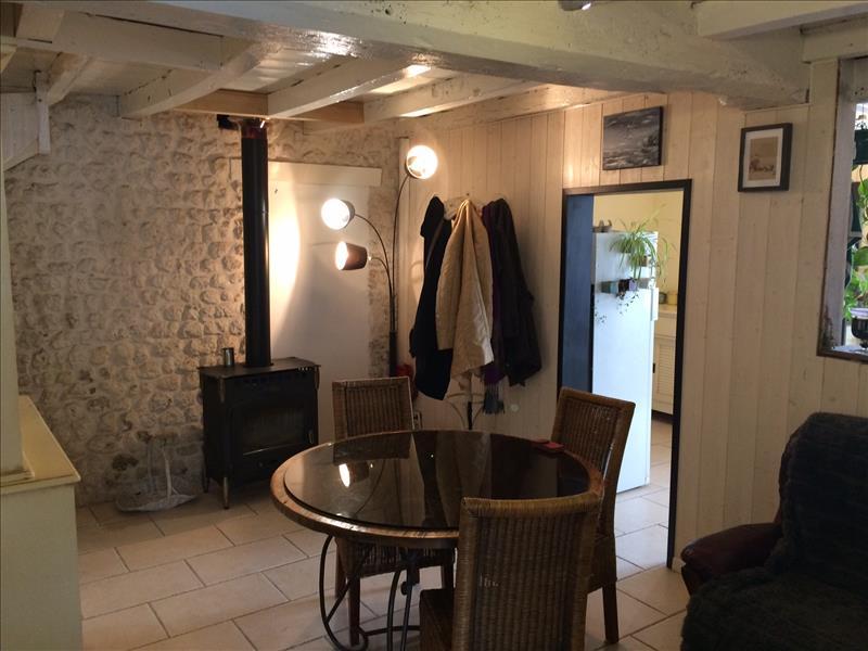 Maison  - 5 pièces    - 103 m² - JURIGNAC (16)
