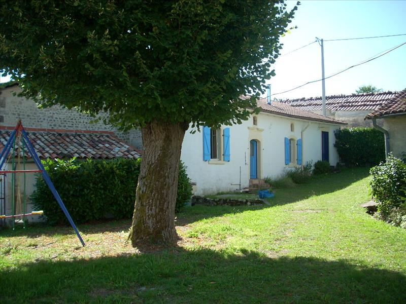 Maison REIGNAC - 4 pièces  -   105 m²