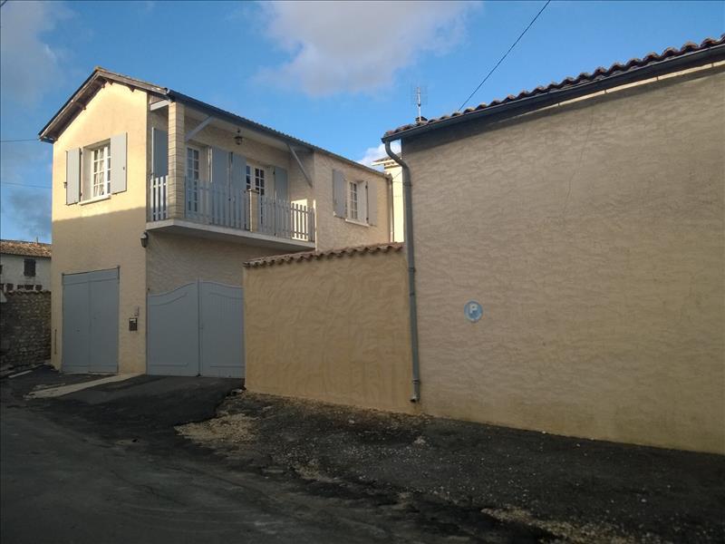 Maison JURIGNAC - 7 pièces  -   195 m²