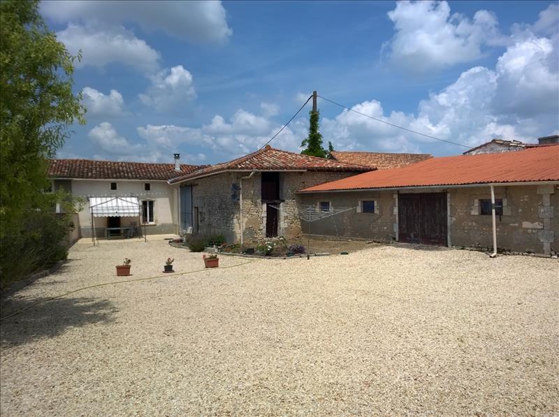 Maison ST AULAIS LA CHAPELLE - 4 pièces  -   118 m²