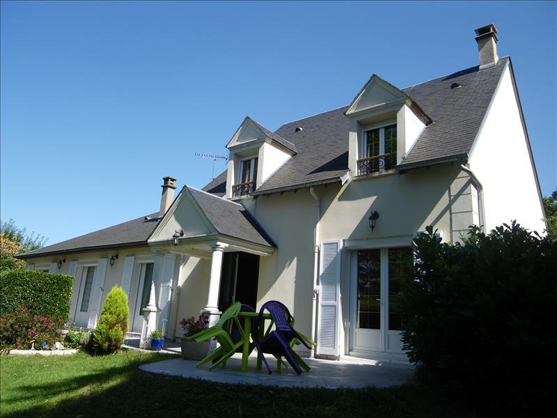 Maison BREVAL - 8 pièces  -   220 m²