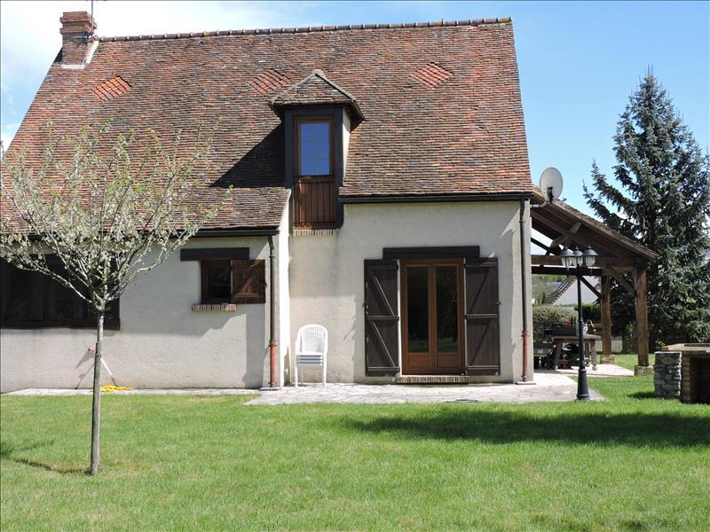 Maison BREVAL - 7 pièces  -   146 m²