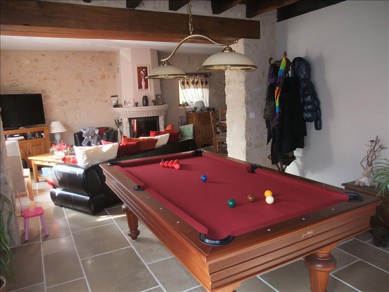 Maison ST MARCEL - 5 pièces  -   160 m²