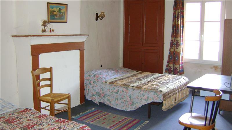 Maison CHAVIN - 6 pièces  -   135 m²