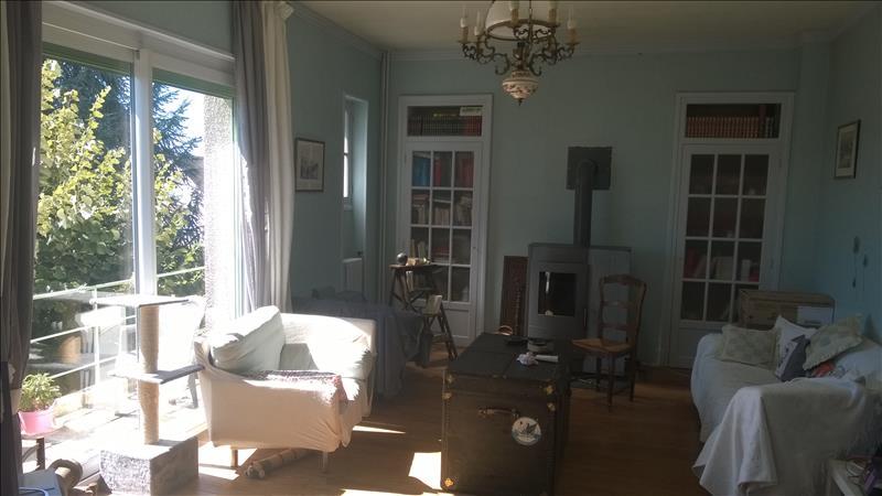 Maison ARGENTON SUR CREUSE - 8 pièces  -   172 m²