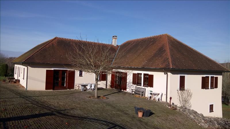 Vente Maison CEAULMONT (36200) - 8 pièces 252 m²