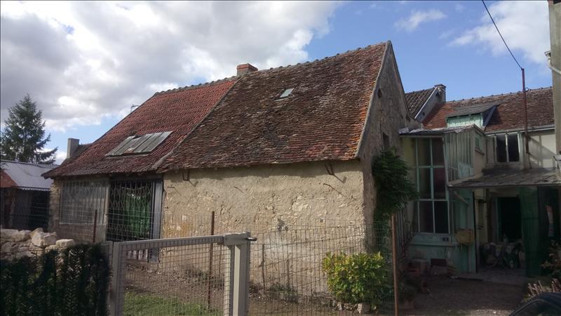 Maison  - 5 pièces    - 104 m² - THENAY (36)