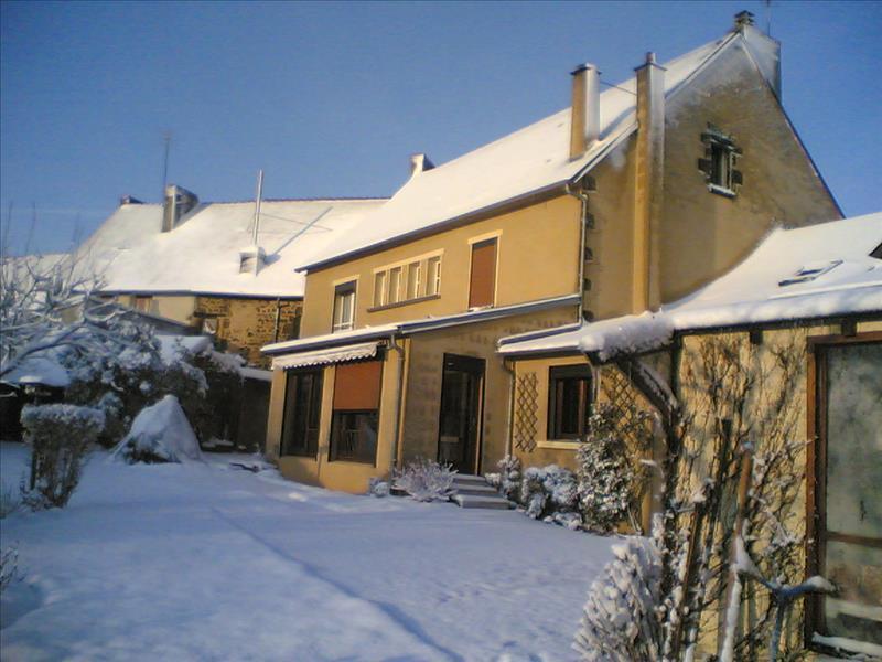 Maison CHAILLAC - 10 pièces  -   256 m²