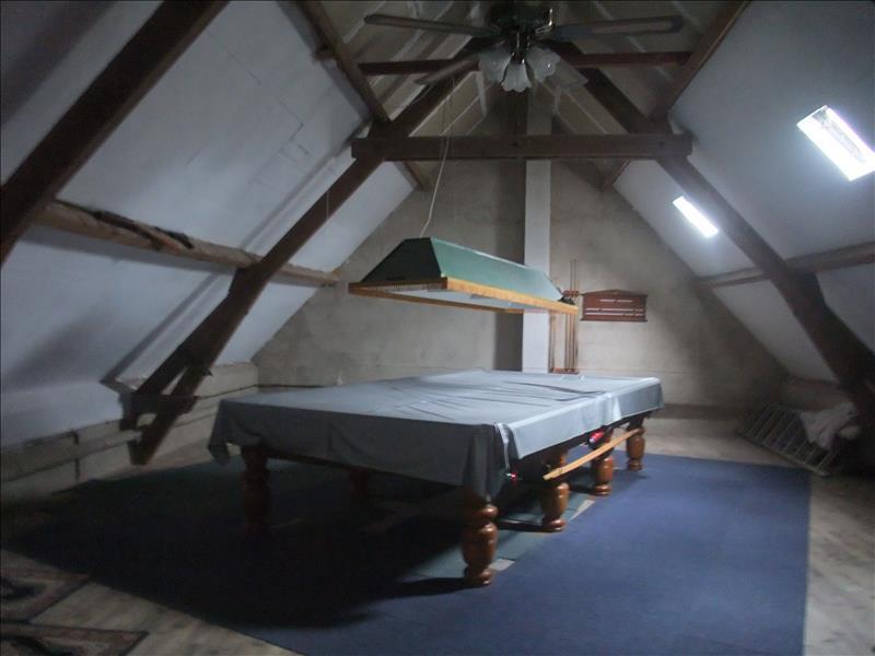 Maison OULCHES - 3 pièces  -   145 m²