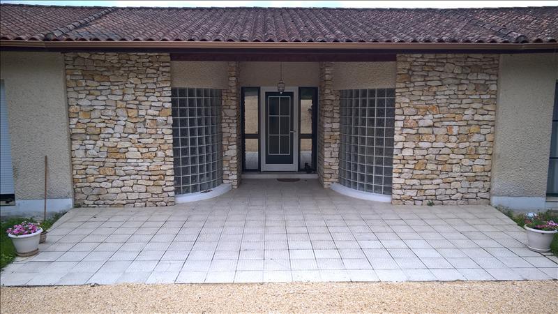Maison VERGT - 9 pièces  -   270 m²