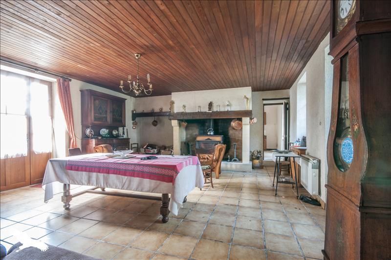 Maison  - 5 pièces    - 160 m² - STE ALVERE (24)