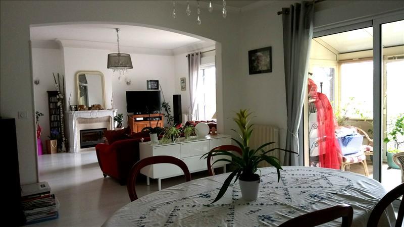 Vente Maison ST YRIEIX SUR CHARENTE (16710) - 7 pièces 190 m²