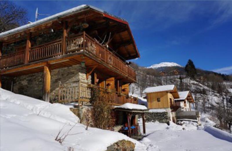 Maison MONTVALEZAN - 5 pièces  -   150 m²