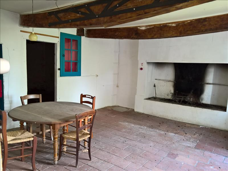 Maison PRADES - 6 pièces  -   220 m²