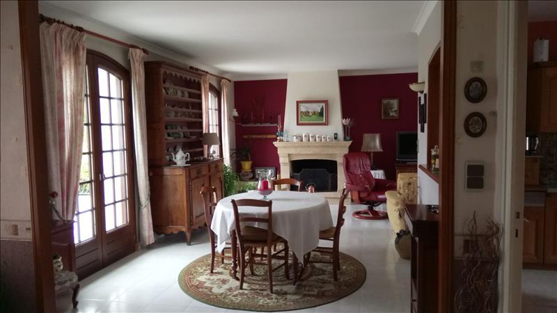 Vente Maison GENSAC LA PALLUE (16130) - 5 pièces - 117 m² -