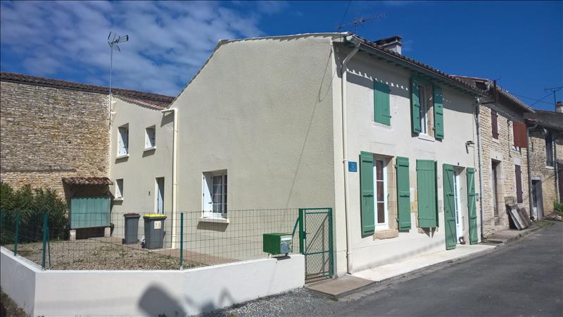 Maison USSEAU - 5 pièces  -   115 m²