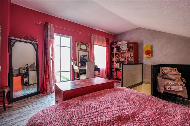 Appartement ST FONS - 3 pièces  -   67 m²