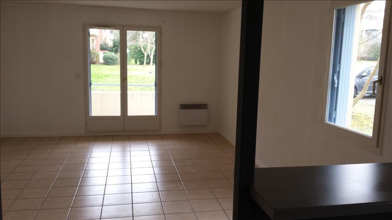 Appartement LAYRAC - 3 pièces  -   73 m²