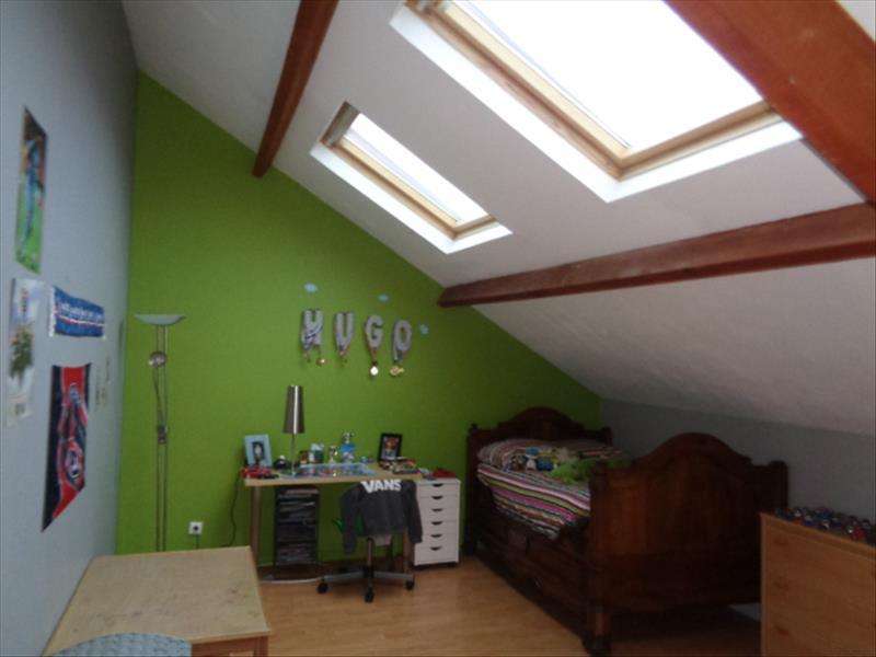 Maison JUZIERS - 7 pièces  -   190 m²