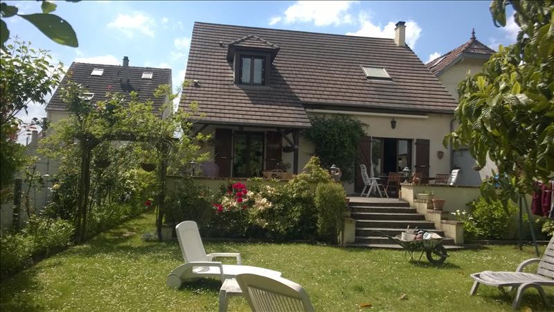 Maison GARGENVILLE - 6 pièces  -   156 m²