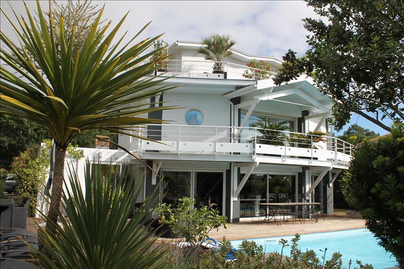 Maison LANTON - 7 pièces  -   225 m²