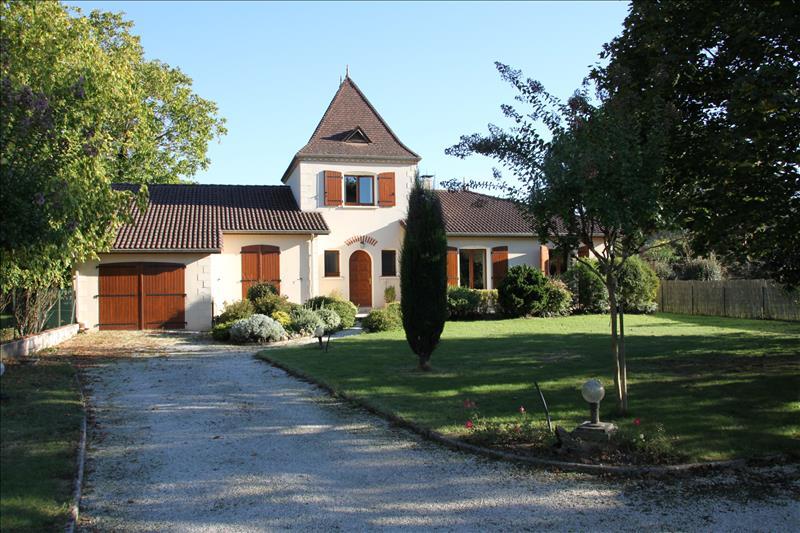 Vente Maison BRETENOUX (46130) - 6 pièces 161 m²