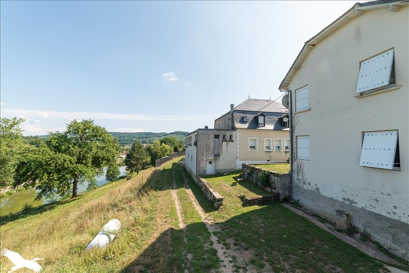 Immeuble    -   879 m² - LEYME (46)