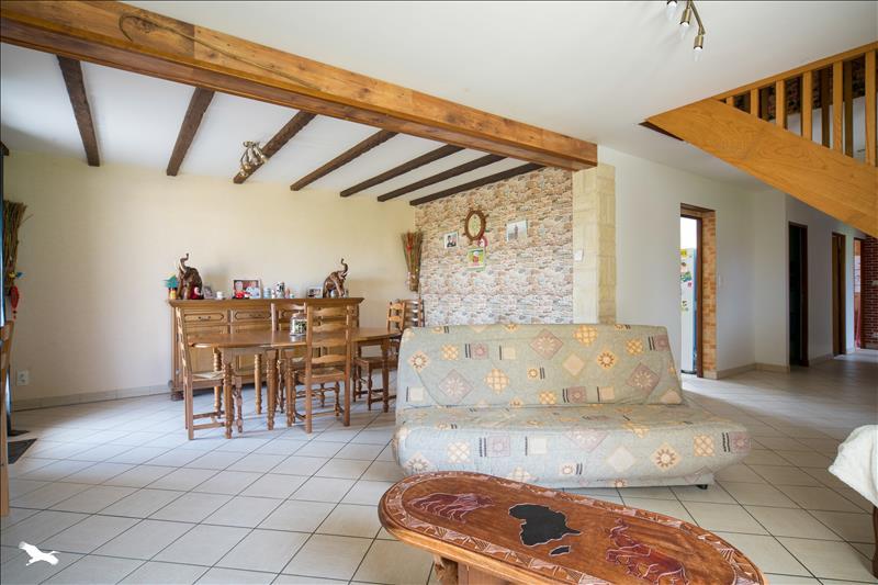 Maison  - 7 pièces    - 132 m² - TAURIAC (46)