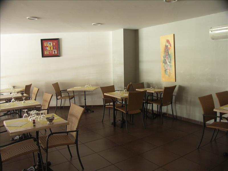 Local commercial PEZENAS -  -   200 m²