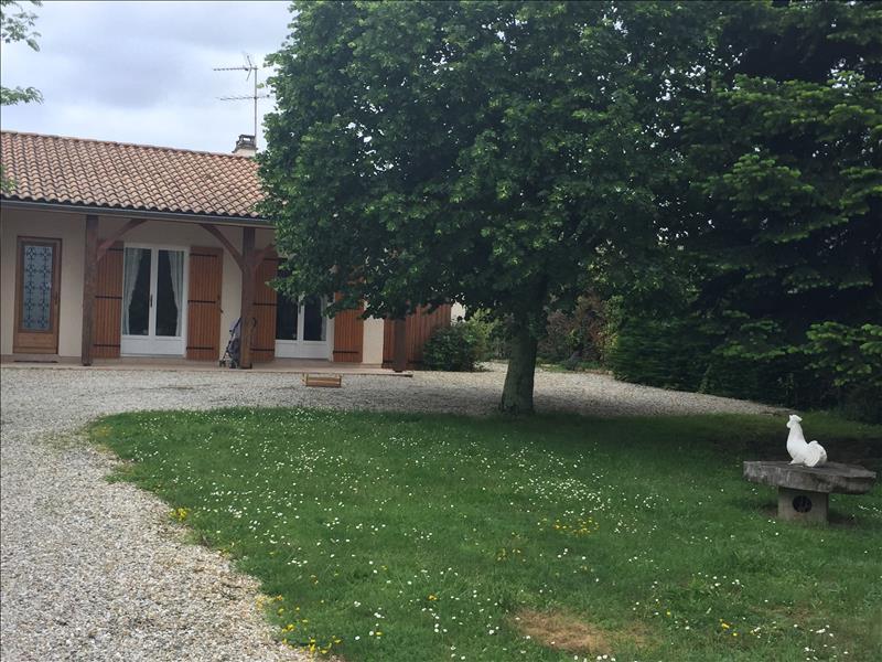 Maison ST CHRISTOPHE DES BARDES - 5 pièces  -   120 m²