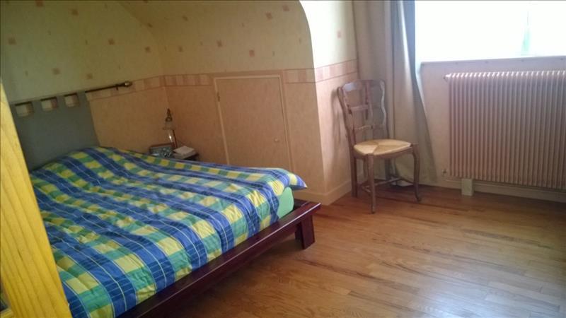 Maison PLUFUR - 5 pièces  -   90 m²