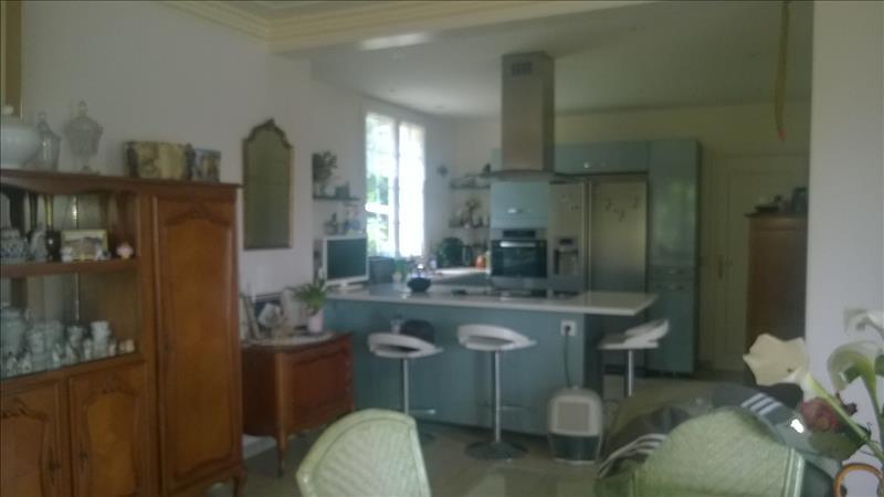 Maison GUERLESQUIN - 10 pièces  -   200 m²