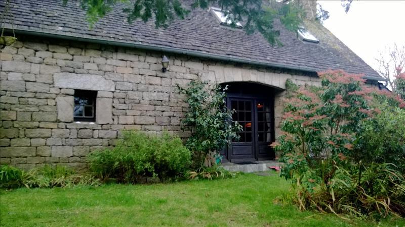 Maison PLUFUR - 5 pièces  -   130 m²