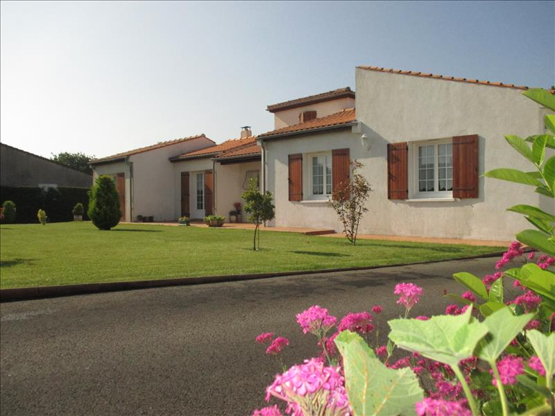 Agence immobili re marennes 17320 achat vente for Achat maison marennes