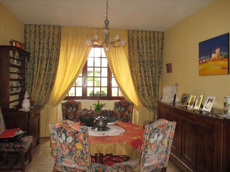 Vente Maison MARENNES (17320) - 5 pièces - 178 m² -