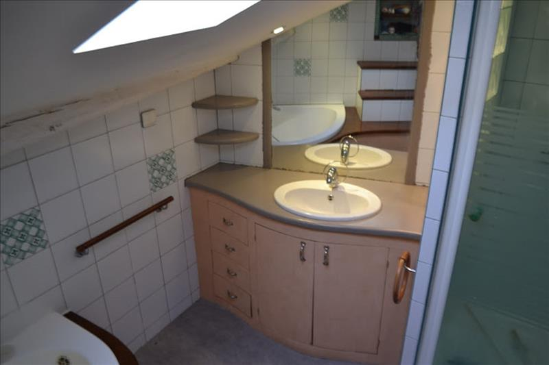 Maison ST JUNIEN - 5 pièces  -   110 m²