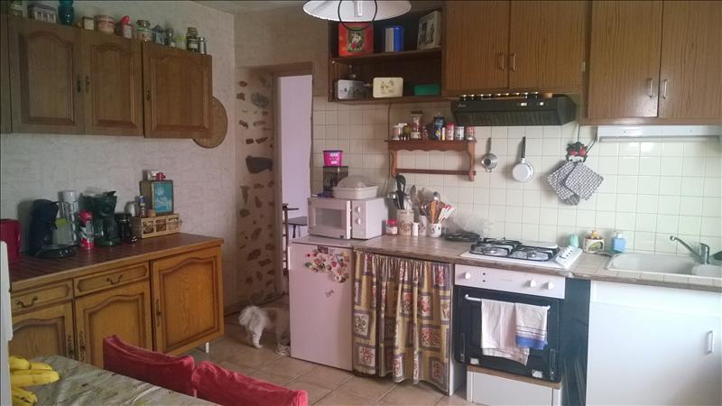 Maison ST JUNIEN - 6 pièces  -   110 m²