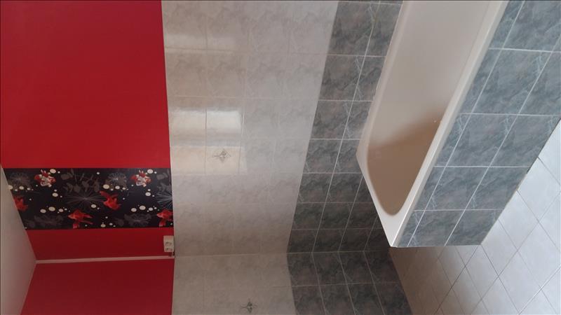 Maison VAYRES - 6 pièces  -   100 m²