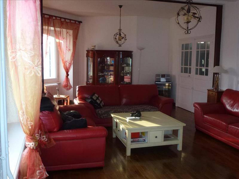 Vente Maison CHABANAIS (16150) - 10 pièces - 320 m² -