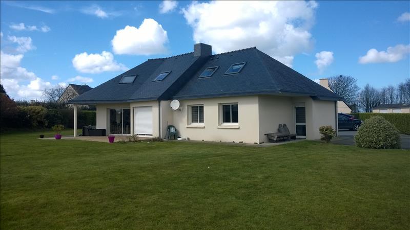 Maison LESNEVEN - 7 pièces  -   170 m²