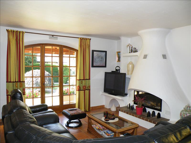 Maison ODOS - 6 pièces  -   160 m²