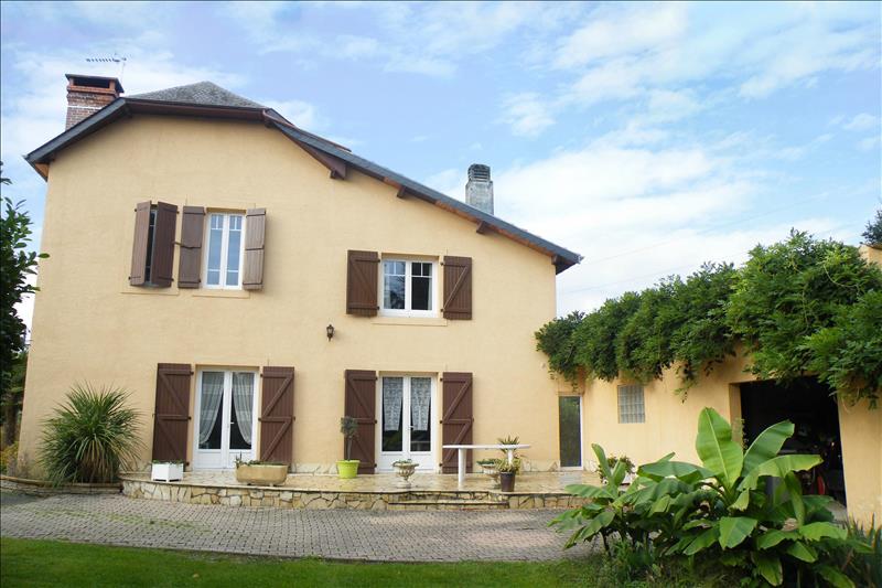 Vente Maison JUILLAN (65290) - 7 pièces 205 m²