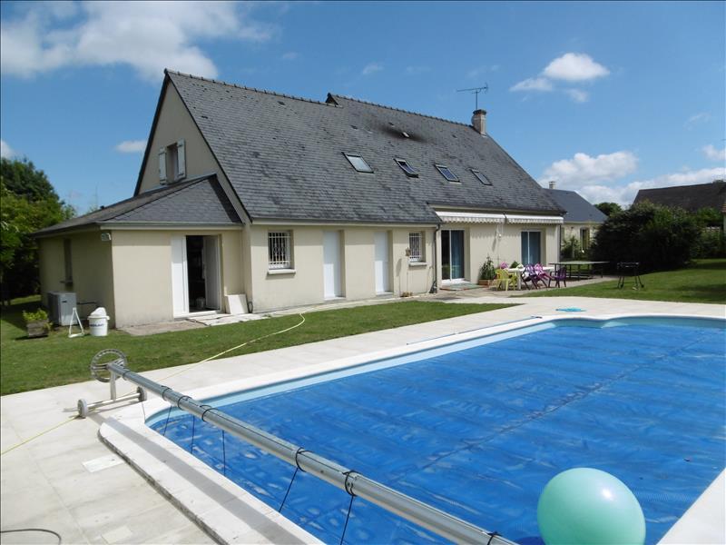 Maison MONTS - 8 pièces  -   185 m²