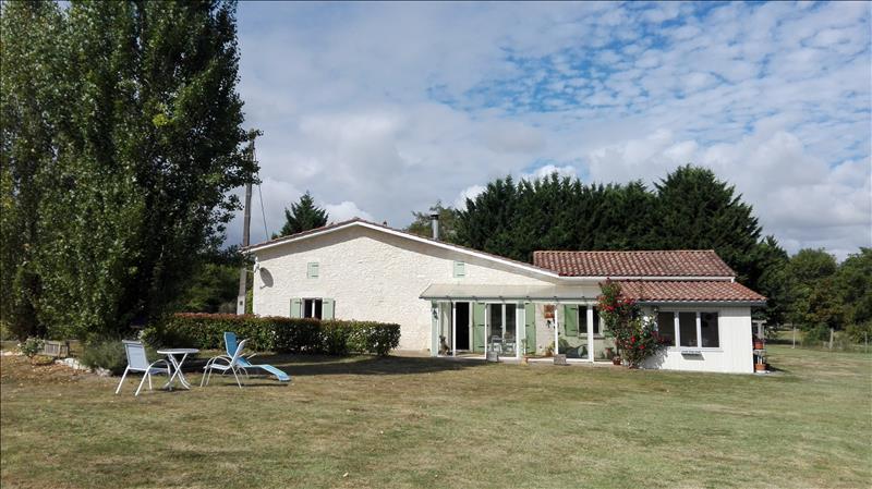 Maison SAUSSIGNAC - 4 pièces  -   145 m²